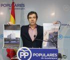 Lorenzo Robisco muestra dos fotografías con el buen ritmo de las obras del Palacio de Justicia y las obras del Hospital paradas