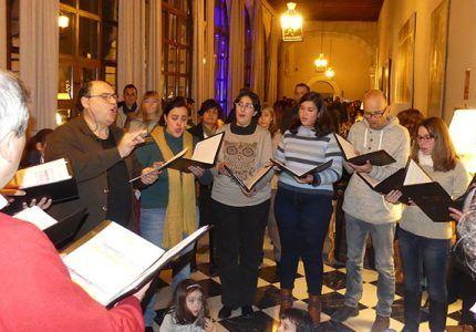 """Paradores reúne en Cuenca a cerca de 400 personas y recauda más de 800 euros en el acto solidario """"Enciende la Navidad"""""""