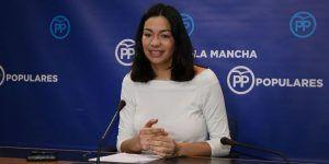 Alonso advierte de que Page va a eliminar para el curso próximo 139 plazas de maestros