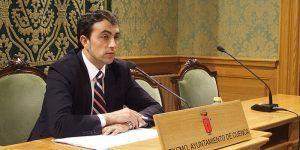 El PP del Ayuntamiento de Cuenca tacha de cínico a Page por intentar apropiarse del parking de Astrana Marín cuando su partido votó en contra en el Pleno