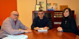 La Delegación de la Junta y CCOO analizan la prestación del servicio de transporte sanitario en la provincia de Cuenca