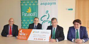 La Fundación Caja Rural Castilla-La Mancha entrega una ayuda 'Workin' de 6.000 euros a ASPAYM