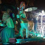 La lluvia no empaña el desfile de los Reyes Magos en Brihuega