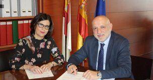 Junta y UNED suscriben un convenio de cooperación educativa para complementar la formación de alumnos en centros sanitarios