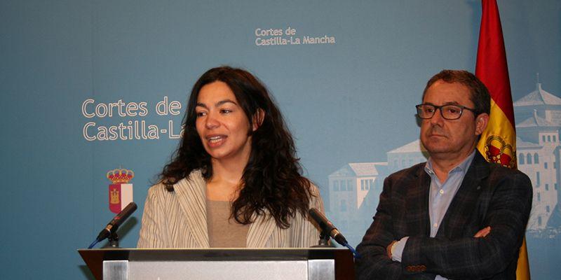 Alonso denuncia la hipocresía de Page al ser el primer presidente de la historia que cierra colegios públicos en la región
