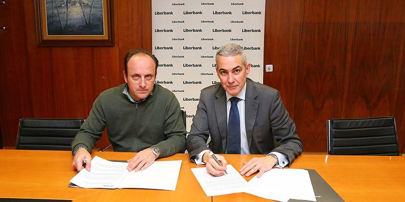 ASAJA Cuenca y Liberbank se unen para facilitar los trámites de la PAC a agricultores y ganaderos de la provincia