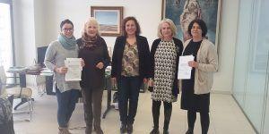 Balia y la Asociación Vasija reciben la recaudación íntegra obtenida en la representación de la obra de teatro Las Troyanas
