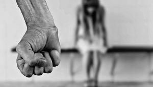Detenido en Guadalajara por agredir a su pareja lo negó pero la mujer tenía lesiones y mucha sangre
