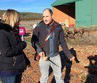 El joven agricultor, Ismael Sanz, ganador del primer premio del concurso Generación AGRO con su proyecto sobre Truficultura que desarrolla en Mariana