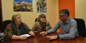 Godoy informa a la Asociación de Vecinos de Las Quinientas de las gestiones realizadas para solicitar al Ayuntamiento la cesión de las antiguas Escuela de Astrana Marín