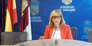 Heredia recuerda el importante papel mediador y la buena acogida de las oficinas de información al consumidor entre los vecinos de Guadalajara