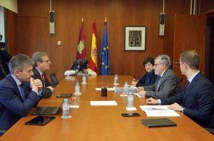 Junta y UCLM ponen en marcha el sistema de anticipos de financiación hasta la firma del contrato-programa