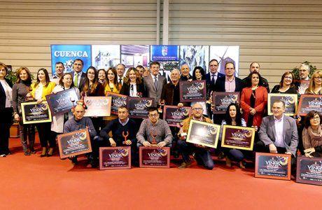 Prieto reconoce el esfuerzo modernizador del sector vitivinícola y le anima a seguir buscando la excelencia