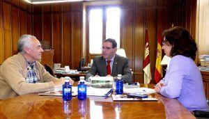 Prieto traslada al CEDER la voluntad de Diputación de cofinanciar sus proyectos junto a fondos comunitarios
