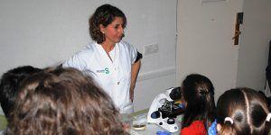 Profesionales del Hospital de Guadalajara contribuyen a difundir la cultura científica colaborando con el ciclo de la UNED 'Los jueves de la Ciencia'