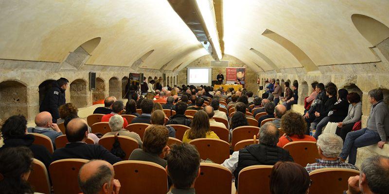 xito de afluencia de profesionales del sector en la Feria Apícola de Pastrana