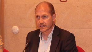 Absuelto al alcalde de Pareja, Francisco Javier del Río, de trato vejatorio en el ámbito laboral cuando era diputado provincial