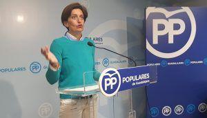 Ana González acusa a Page de 'dejar en la estacada' a los agricultores de 22 pueblos de Guadalajara ante la plaga de conejos