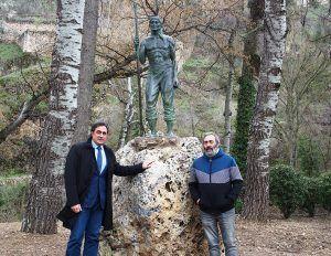 El Ayuntamiento de Cuenca ubica la escultura 'El Ganchero' en el Recreo Peral