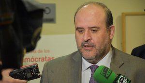 Guijarro asegura que la Junta trabajará por la implantación lo antes posible de las titulaciones de Turismo en Cuenca e Informática en Talavera de la Reina