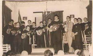 Huete 1986. Mayo y jota final en casa de Lourdes García