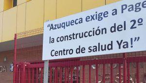 IU Azuqueca acusa a Blanco de falta de democracia por retirar las pancartas sin pasar por el Pleno