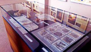 La exposición 'El Cristal de Hispania', cedida por CEDER Alcarria Conquense al Parque Arqueológico de Carranque, incrementa el interés del público por el patrimonio romano del lapis specularis en la comarca