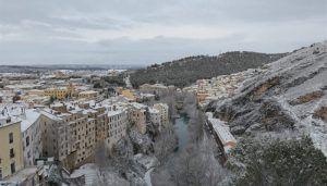 La nieve obliga a cortar en Cuenca los caminos de San Isidro y San Jerónimo y a restringir el bus urbano en el Casco