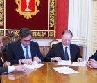 Mariscal firma una operación de confirming de 2,8 millones de euros para el pago a proveedores del Ayuntamiento