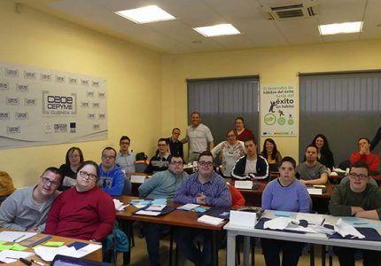 Miembros de ADOCU aprenden gestión positiva de conflictos con CEOE-Cepyme Cuenca