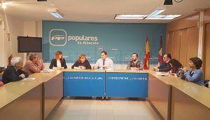 Núñez denuncia el trato inhumano del PSOE de Page a un vecino de Villarrobledo en silla de ruedas