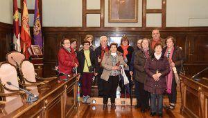 Un grupo del Centro Manolito Taberné visitan el Palacio de la Diputación