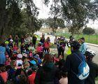 Un pelotón de 140 ciclistas pedalea en homenaje a los libros en la segunda edición del Bicicuento de Valdeluz