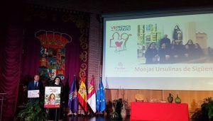 El presidente de la Diputación de Guadalajara felicita a los homenajeados en los VIII Premios de la Caridad