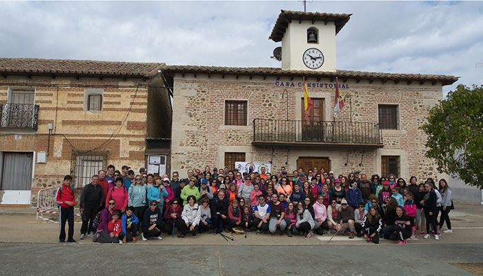 """La Asociación Cultural Amigos de Villaseca de Uceda celebra la cuarta """"Ruta interpretada en familia"""""""