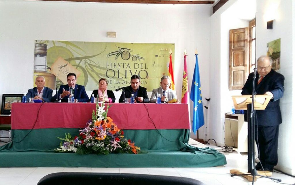 Prieto anuncia el apoyo de Diputación al Ayuntamiento de Valdeolivas para abrir un Museo del Olivo y del Aceite