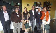 El alcalde de Fuentenava de Jábaga, José Luis Chamón, recibe a la representación de una importante cadena de alimentación, de origen chino, interesada en invertir en Jábaga