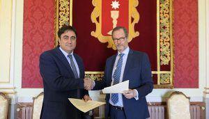 Ayuntamiento de Cuenca y Agrupación Provincial de Hostelería firman un convenio de 17.000 euros para promocionar la ciudad