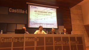 Gicaman traslada a los vecinos de Laguna de la Colmada el diagnóstico del edificio y prevé el final de las obras y regreso de los inquilinos a principios de 2019