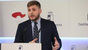"""La Junta asegura que destinará 15 millones de euros """"como mínimo"""" a las sustituciones de profesionales de Atención Primaria este verano"""