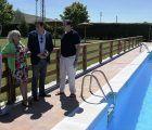 Mariscal visita la piscina de Tiradores Altos en el primer día de la temporada estival y comprueba su buen estado