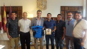 Román agradece al Club Triatlón Guadalajara el esfuerzo realizado para organizar el XXXIII Triatlón de Guadalajara