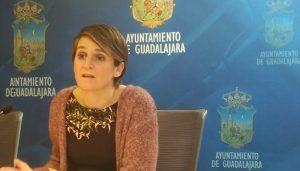 Ahora Guadalajara denuncia que el Ayuntamiento reduce en un 65% las ayudas para la compra de material escolar