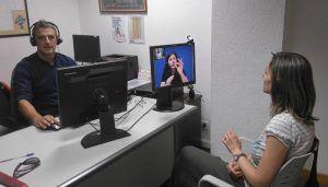 Cs Cuenca propone que se implante un sistema de vídeo-interpretación en lengua de signos para mejorar la atención de los servicios municipales