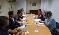 El director general de Coordinación del Mercado Interior y otras Políticas Comunitarias del Ministerio de Asuntos Exteriores, UE y Cooperación muestra interés por los trabajos de la SSPA