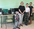 Eurocaja Rural colabora con el IES Azuer de Manzanares donando cinco equipos informáticos