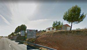 Fallece una persona al calcinarse su coche al paso por Villaescusa de Haro
