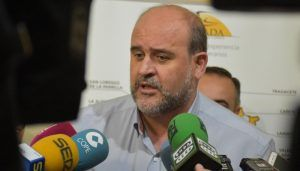 """La Junta insiste en """"dar una vuelta"""" a la política hidráulica para alcanzar """"un gran acuerdo nacional"""""""