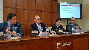La Junta presenta en un foro de la UIMP en Santander el proceso de digitalización de las pymes de la región