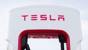 La red de Supercargadores de Tesla continúa su expansión por España con la apertura de un nuevo Supercargador en Atalaya del Cañavate